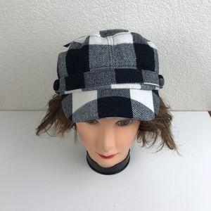 D&Y blacks nd white plaid hat